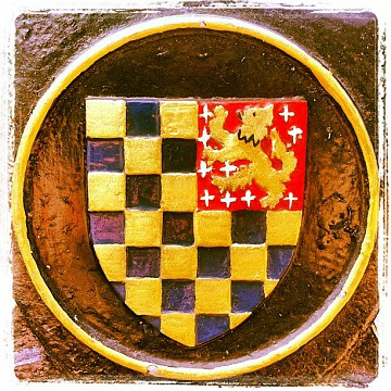 The Lewes Crest 118:132